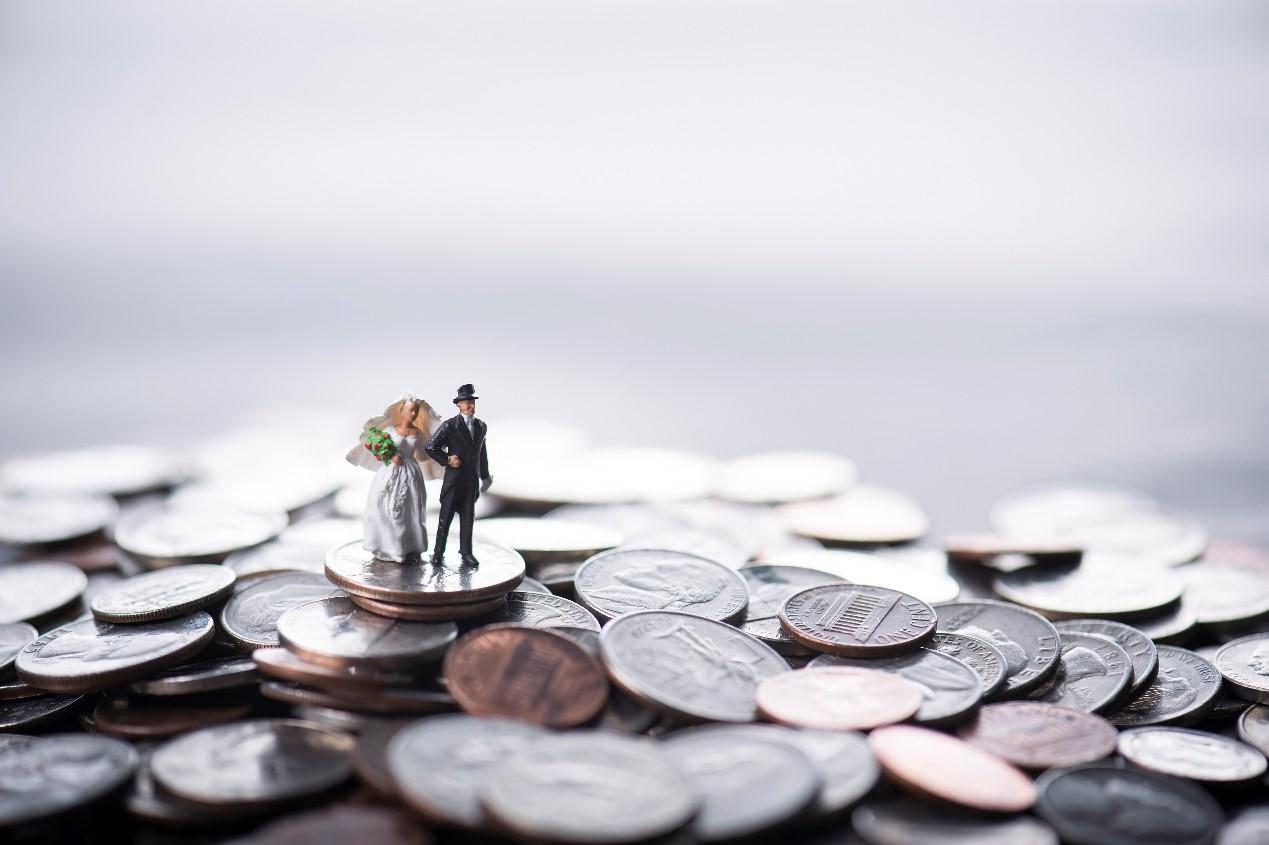北京婚姻律师信金国:婚内夫妻之间借款如何处理?